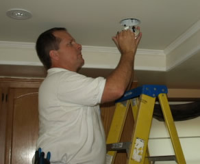conejo valley electrician installing recessed lighitng